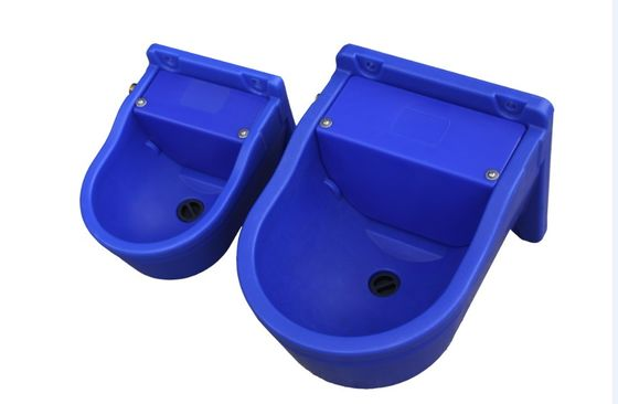 China Top Quality automatic Plastic Drinking Bowl 9.3L or 4Lfor cattle and horse supplier